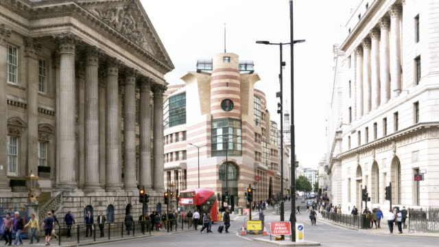 london mansion house and poultry street - shop window stock videos & royalty-free footage