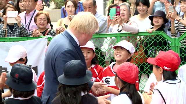 London Mayor Boris Johnson enjoyed street rugby on Oct 15 in Tokyo which is to host the 2020 Olympic Games He visited the capital to conclude a...