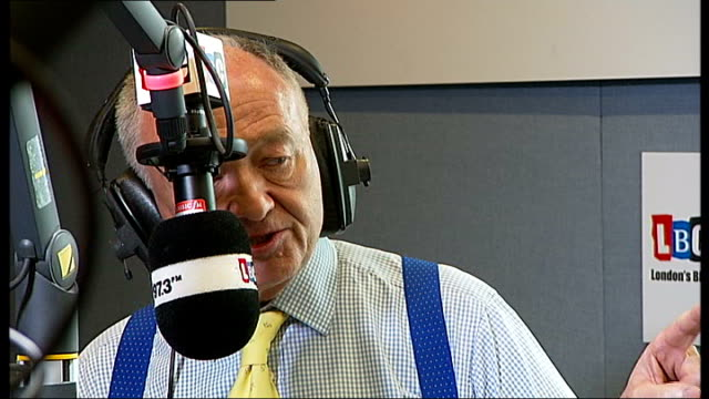 stockvideo's en b-roll-footage met boris johnson ahead of ken livingstone in poll lib / tx johnson and livingstone in lbc radio studio livingstone speaking - ken livingstone