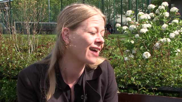 stockvideo's en b-roll-footage met sian berry interview england london kentish town ext sian berry interview sot / people along street / berry arriving / berry and green party... - kentish town