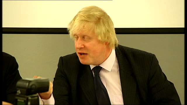 london mayoral hustings: johnson, livingstone and paddick attend; gv event underway boris johnson speaking sot - where's the money coming from ken,... - 画面切り替え カットアウェイ点の映像素材/bロール