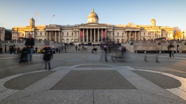 ロンドン ナショナル ギャラリー傾斜路の時間経過 - トラファルガー広場点の映像素材/bロール