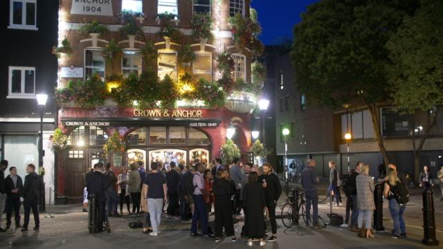 london neal street scene at night - incidental people stock videos & royalty-free footage