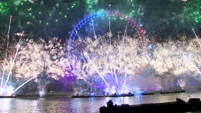 london new year's eve fireworks - firework display stock videos & royalty-free footage