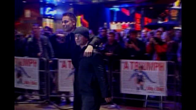 london: night gately arriving with boyfriend for 'billy elliot' premiere greeted by screaming fans sot ends - première stock-videos und b-roll-filmmaterial