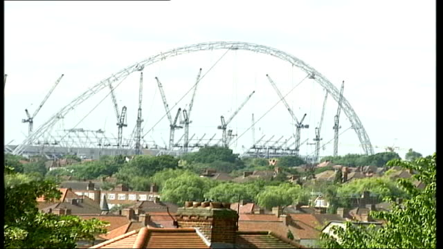 interview with py gerbeau itn england london wembley ext pierre yves gerbeau interview sot wembley will hopefully be better than the stade de france... - ranunkel stock-videos und b-roll-filmmaterial