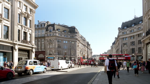 london oxford circus from regent street - pedestrian crossing stock videos & royalty-free footage