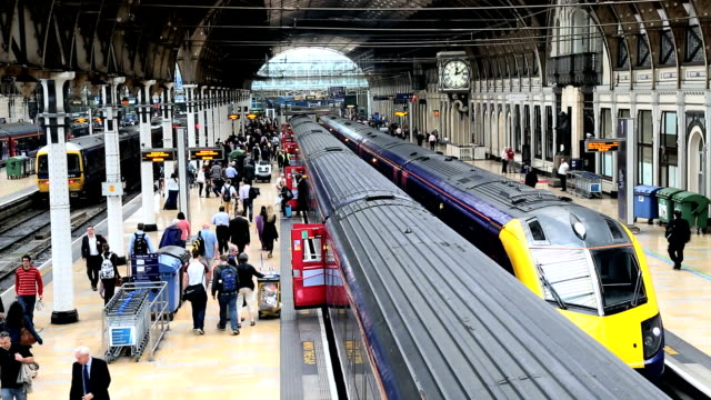 london paddington station train railway network commuting - paddington railway station stock videos & royalty-free footage
