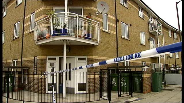 vídeos de stock e filmes b-roll de london peckham ext various of police tape cordons and police car parked in road - peckham