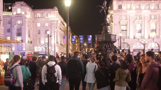 london piccadilly circus at night - monument stock videos & royalty-free footage