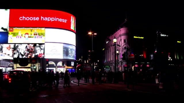 T/L London Piccadilly Circus At Night