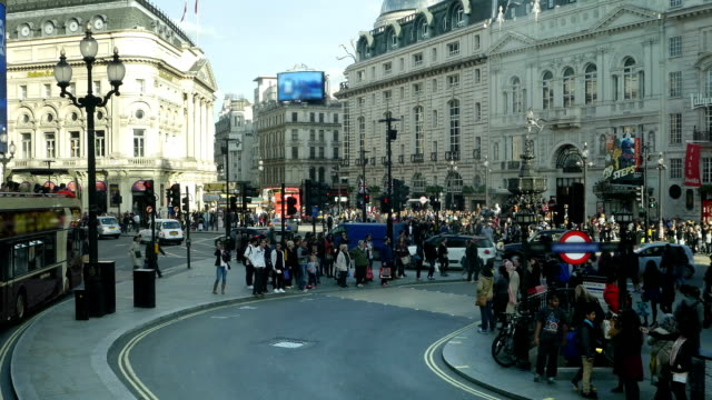 london piccadilly circus (4k/uhd to hd) - piccadilly circus stock videos and b-roll footage