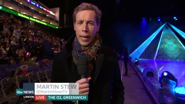 london premiere of disney on ice frozen england london o2 centre int reporter to camera/ gig siruno interview sot - premiere stock-videos und b-roll-filmmaterial