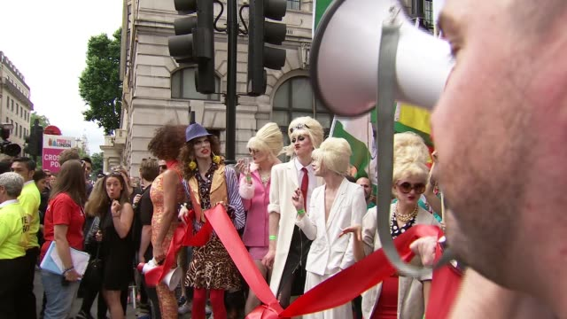 london pride parade drag queens along dressed as characters from 'absolutely fabulous' / jennifer saunders and joanna lumley along dressed as eddie... - jennifer saunders stock videos & royalty-free footage