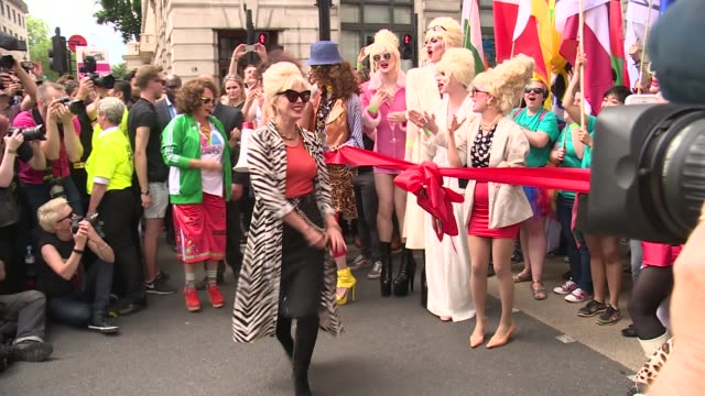 london pride parade drag queens dressed as patsy from 'absolutely fabulous' / jennifer saunders and joanna lumley along dressed as eddie and patsy to... - jennifer saunders stock videos & royalty-free footage