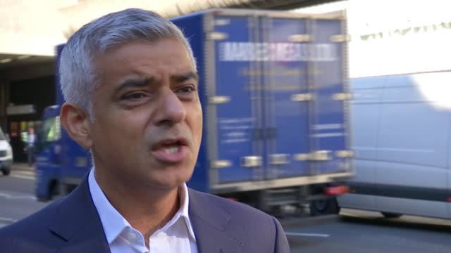 london primary schools to have 'air quality audits' london ext sadiq khan interview sot some of the things are very easy planting bushes planting... - sadiq khan stock videos & royalty-free footage