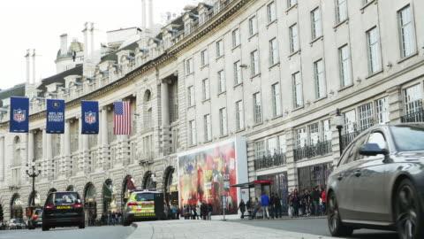 vídeos de stock, filmes e b-roll de london regent street - ponto turístico local
