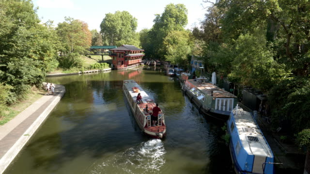 london regent's canal viewed from the broad walk bridge - canal stock videos & royalty-free footage