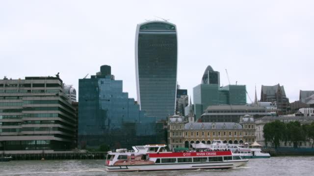 stockvideo's en b-roll-footage met london september tuesday - city of london
