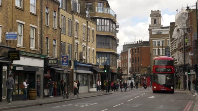 vidéos et rushes de london shoreditch old street - quartier résidentiel