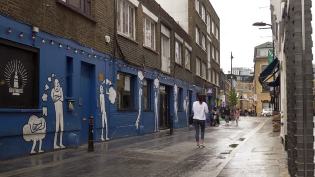 vidéos et rushes de london shoreditch rivington street - hackney