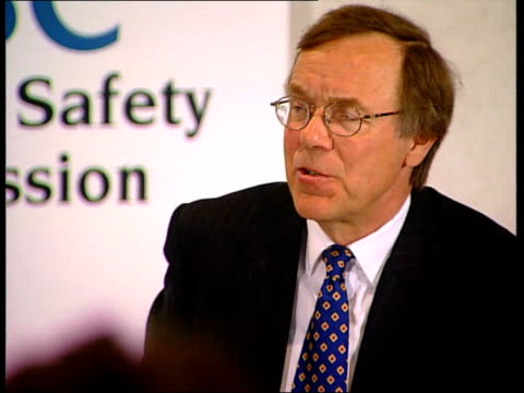 cs side face of journalist at health and safety commission press conference into report on southall rail crash refocus to professor john uff speaking... - safety rail stock videos & royalty-free footage