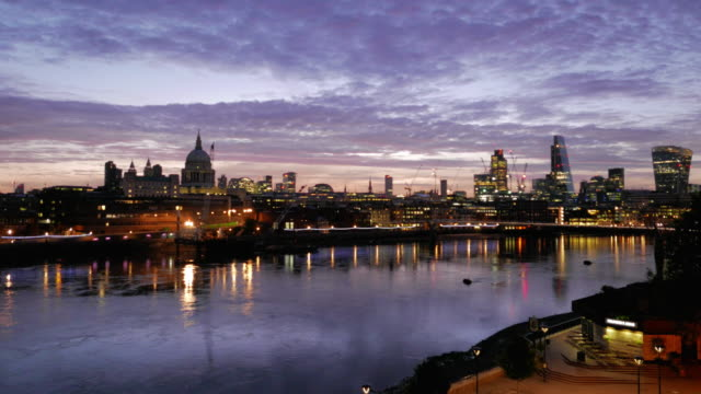 London Skyline and the Thames at 4 am, pan left.