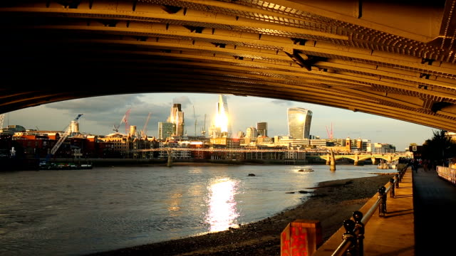 London Skyline with Thamse