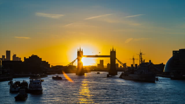 london skyline with tower bridge at sunrise, tl, ws - monument stock videos & royalty-free footage