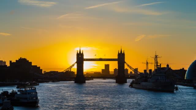 london skyline with tower bridge at sunrise, tl, zo - tower bridge stock videos & royalty-free footage