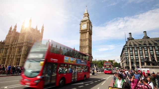 vídeos de stock e filmes b-roll de london skyline with westminster bridge, time lapse - big ben