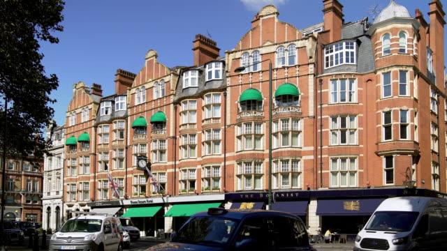 london sloane square - kensington und chelsea stock-videos und b-roll-filmmaterial