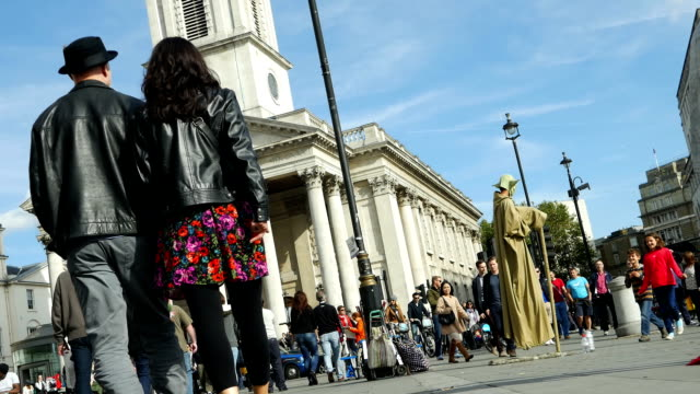 london st. martin-in-the-fields at trafalgar square - performer stock videos & royalty-free footage