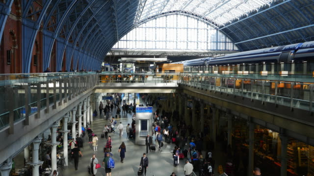 T/L London St Pancras Railway Station (UHD)