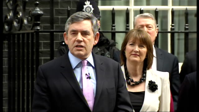 st pancras station: int gordon brown mp along platform with his wife, sara brown, and boarding train downing street: ext gordon brown statement... - number of people stock videos & royalty-free footage