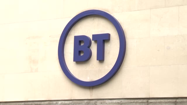 london stocks slid friday bucking gains elsewhere after britain's opposition labour party vowed to nationalise parts of telecoms giant bt and offer... - bocksprång bildbanksvideor och videomaterial från bakom kulisserna