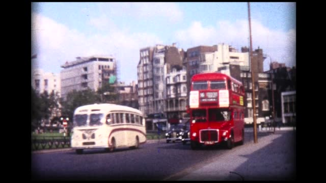 vidéos et rushes de 1966 london taxi and double-decker bus traffic - hackney