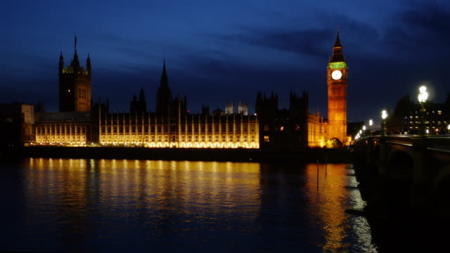 london thames river and big ben at night - river thames stock videos & royalty-free footage