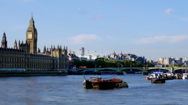 london thames river and houses of parliament - parliament stock videos & royalty-free footage