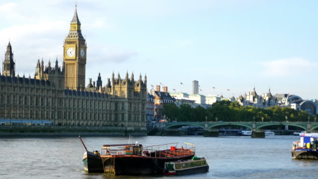 london thames river and houses of parliament - big ben stock videos & royalty-free footage