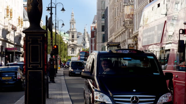 london the strand road to the east - taxi stock videos & royalty-free footage