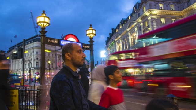 london, time lapse at piccadilly circus - piccadilly circus stock videos and b-roll footage