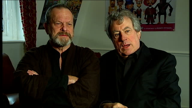 tower bridge int terry gilliam and terry jones sitting pretending to be asleep then appear to wake up terry jones interview sot on calling lawyers if... - terry gilliam stock videos & royalty-free footage