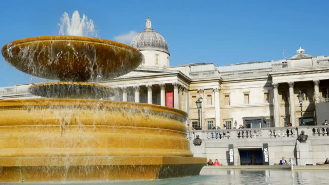 london trafalgar square fountain cinemagraph - fountain stock videos & royalty-free footage