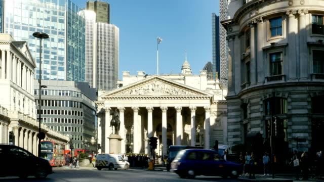 T/L London Traffic Around Royal Exchange