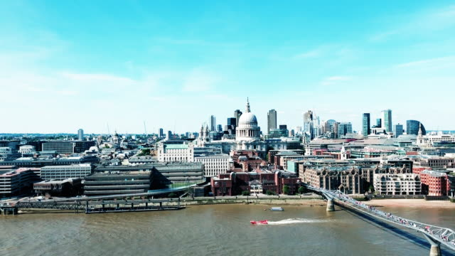 London travel video clips