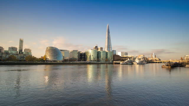 london united kingdom cityscape time-lapse - clear sky stock videos & royalty-free footage