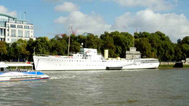 pov london victoria embankment and hms wellington - embankment stock videos and b-roll footage