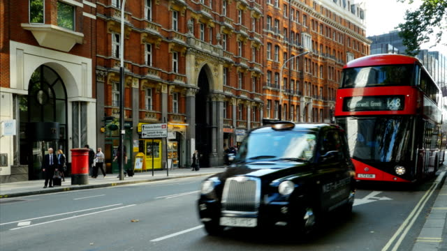london victoria street (4k/uhd to hd) - taxi stock videos & royalty-free footage