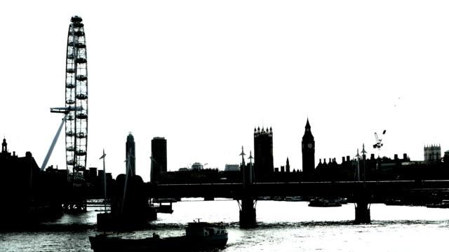 B /W ロンドン表示北東方面からお越しの場合